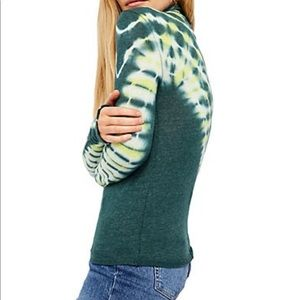 Free People Tops - NWT Free people green psychedelic turtle top XS